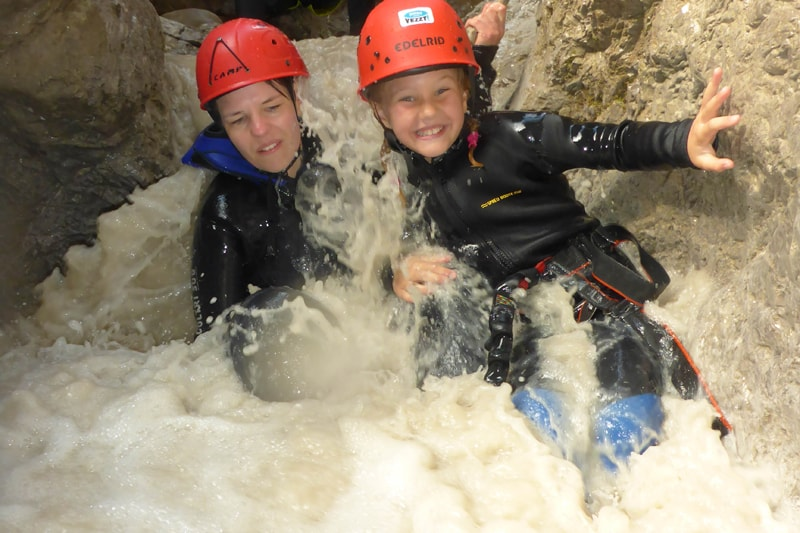 Kinder im Canyon