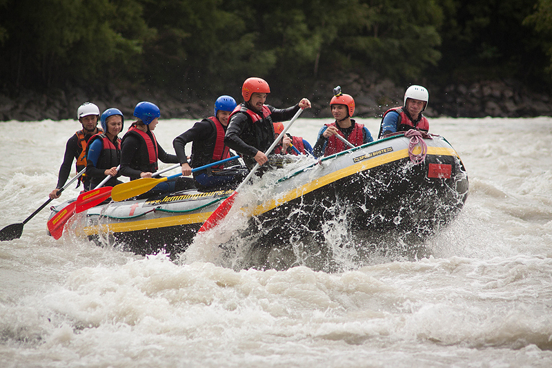 Rafting - Action!